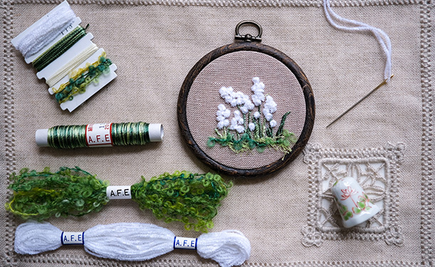 A.F.Eオリジナルの刺繍キット マーガレットの花刺繍制作キット(生成生地)